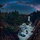 Nufotografuoti Paukščių Tako vaizdai virš JAV nacionalinių parkų.