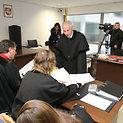Baudžiamosios bylos dėl mažametės tvirkinimo nagrinėjimas.