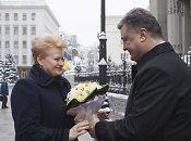 P.Porošenka po susitikimo su D.Grybauskaite: Lietuva kovojančiai Ukrainai tieks ginkluotės dalis
