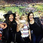 """""""Super Bowl"""" fiestoje šėlo ir sportui neabejingos garsenybės"""