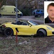 """Geltonąjį """"Porsche"""" Vilniuje sudaužė su K.Brazauskiene į Seimą ėjęs fabriko įkūrėjas"""