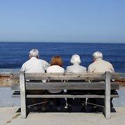 Tyrimas: 3 iš 4 pensininkų prie pensijos prisiduria dirbdami