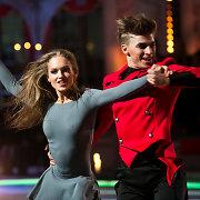 """Didžiajame """"Šokių ant ledo"""" finale nugalėjo ir 15 tūkst. litų laimėjo Gintarė Gurevičiūtė ir Aleksejus Rogonovas"""