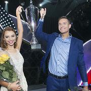 """""""Šok su manimi"""" triumfavo ir 10 tūkst. eurų laimėjo Martynas Kavaliauskas ir Renata Gramauskaitė"""