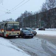Kaune troleibuso nepraleidęs vairuotojas sujaukė kauniečių rytą