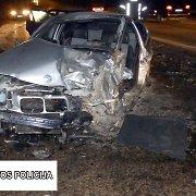 Marijampolėje ant tilto susidūrė du automobiliai: nėščiai BMW keleivei prireikė medikų pagalbos