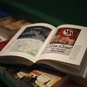 """Brazilijos teismas nori uždrausti Adolfo Hitlerio autobiografiją """"Mano kova"""""""