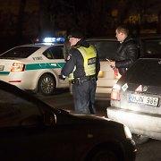 """Vilniaus rajone griovyje atsidūrė automobilis """"Chrysler"""", kuriuo keliavo 2 vaikai"""