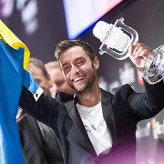 """""""Euroviziją"""" laimėjęs švedas Månsas Zelmerlöwas: """"Tas žmogeliukas vaizduoja mane vaikystėje"""""""
