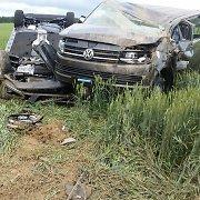"""Prie Kalvarijos į naujus automobilius vežusį automobilvežį rėžėsi """"Golf"""" – žuvo žmogus"""