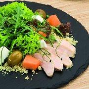Daugiausia baltymų turinčios salotos: 3 receptai ir padažai