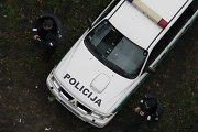 Kaune vos sutemus du peiliu ginkluoti vyriškiai apiplėšė 15-metį