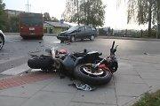 Kėdainiuose – motociklo ir automobilio kaktomuša