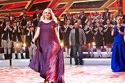 Besilaukianti Rūta Ščiogolevaitė scenoje spindėjo džiaugsmu ir negailėjo šypsenų