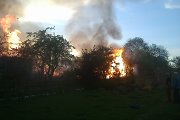 Penktadienio gaisras Lentvaryje: sudegė ūkiniai pastatai