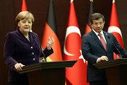 Berlynas ir Ankara prašys NATO pagalbos kovoje su migrantų vežėjais