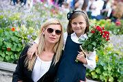 """Dukrą Patriciją į pirmą klasę palydėjusi Laura Čepukaitė: """"Svarbiausia – kad nebūtų patyčių"""""""