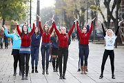 Studentai Kauno centre surengė šokių pasirodymą
