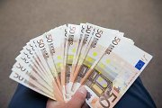 Praėjusių metų mėnesinės algos rekordas Lietuvoje – ketvirtis milijono eurų