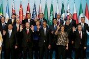 Pasaulio lyderiai po atakų Paryžiuje reiškia susirūpinimą dėl džihadistų iš užsienio