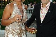 Advokatės Svetlanos Proninos įdegį paryškino suknelė su aukso spalvos detalėmis