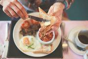 Ką valgyti pusryčiams, kai laiko ryte vis pritrūksta?