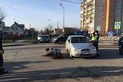 """Panevėžyje keliu nepasidalino automobilis """"Ford Fiesta"""" ir motociklas, motociklininkas mirė"""
