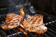 Pavasario skonis: kaip iškepti sultingą mėsos kepsnį ant grotelių?