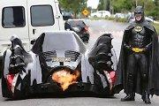 Australo sukurtą Betmeno automobilį vaikosi net naujienų tarnybų sraigtasparniai