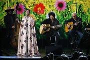 """""""The Beatles"""" hitus specialiame renginyje atliko šių dienų žvaigždės"""
