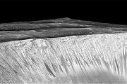 NASA mokslininkai patvirtino: Marse yra skysto vandens