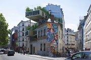 Permainos Paryžiuje: ant namų stogų lipa statiniai-parazitai