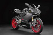 """""""Formulės-1"""" legendai Ayrtonui Sennai atminti """"Ducati"""" sukūrė riboto leidimo motociklus"""