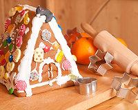 Kalėdinis namelis gali būti kokios tik nori formos.