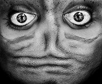 Kitas kampas: apverstas žmogaus veidas tampa lyg ateivio