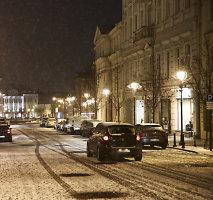 Jau žiema, tačiau kas dvidešimtas vairuotojas važinėja vasarinėmis padangomis