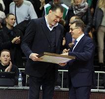 Arvydą Sabonį švilpiant žiūrovams Kauno arenoje pasveikino premjeras Algirdas Butkevičius