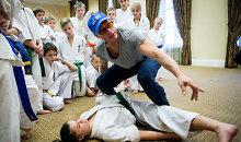<b>Jeanas Claude'as van Damme'as</b> 20 vaikų iš visos Lietuvos mokė kiokušin karatė subtilybių