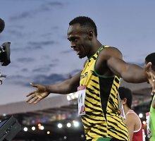 Šou surengęs Usainas Boltas Sandraugos žaidynių estafetėje iškovojo pirmąjį aukso medalį