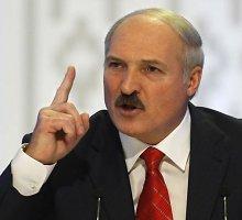 Siekdama pažaboti paniką dėl valiutos Baltarusija blokuoja interneto svetaines ir parduotuves
