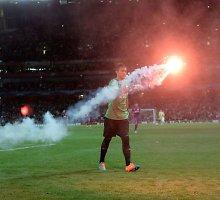 """Už sirgalių apgadintą """"Emirates"""" stadioną """"Galatasaray"""" nubaustas 50 tūkst. eurų bauda"""