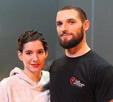 Penktą mėnesį besilaukianti cirko artistė daro neįtikėtinus triukus