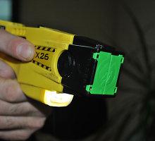 Iškvietimas 112 dėl triukšmo bute Mažeikiuose: pačirškino elektrošoku – ir ramu