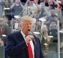 Donaldas Trumpas pasiūlė numušinėti pavojingai prisiartinančius Rusijos lėktuvus