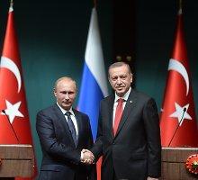Vladimiras Putinas ir Recepas Tayyipas Erdoganas iš priešų virsta bičiuliais