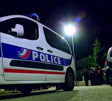 Prancūzijos policijos reidas: mečetėje ir šalia jos esančiame name rasta ginklų ir sprogmenų