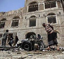 Mirtininkų sprogdintojų išpuoliai Jemene ir Sirijoje nusinešė daugiau nei šimtą gyvybių