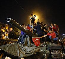 Turkija po nepavykusio perversmo sulaikė aukšto rango Fethullah Guleno padėjėją