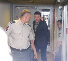 """Prokuroras stengiasi, kad """"MG Baltic"""" viceprezidentas R.Kurlianskis neištrūktų į laisvę"""