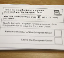 Balsavimui dėl ES skaldant Jungtinę Karalystę kunkuliuoja pyktis ir sumaištis